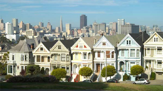 The 'painted ladies' victorian housing facing Alamo Square Park